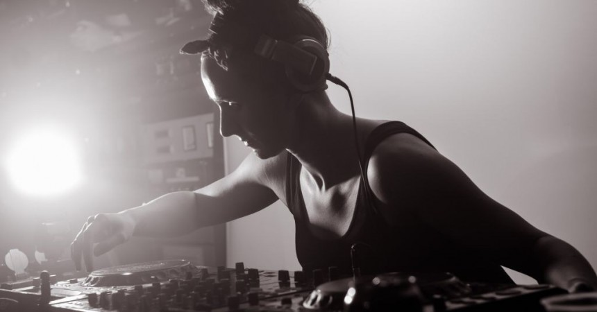 Hannah Wants, Monki & Mella Dee at The Old Fire Station, Bournemouth